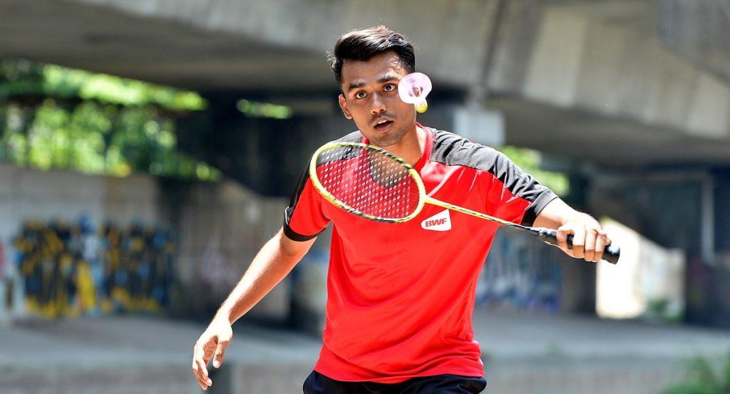 Badminton read the news