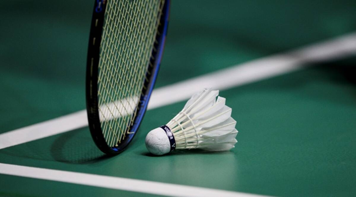 Badminton is popular sports in the world